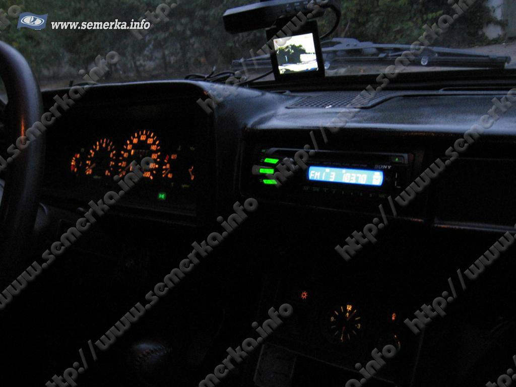 Установка подсветки в автомагнитолах своими руками