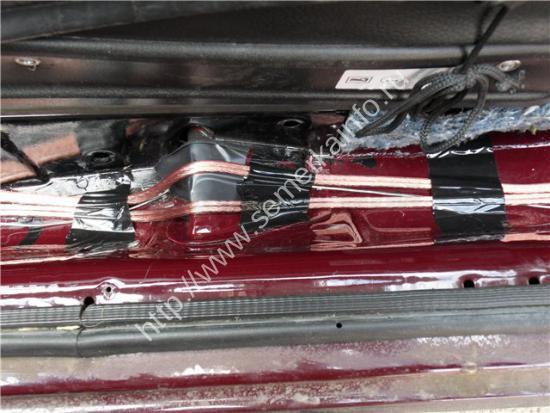 Тянем проводку для задней акустики вдоль левого борта ваз-2107